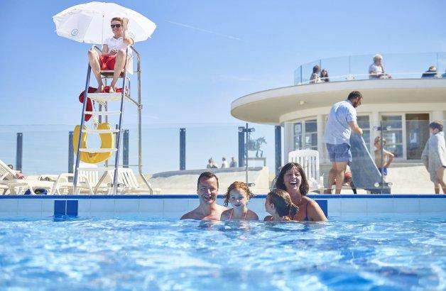 Zwembaden toerisme koksijde for Piscine koksijde